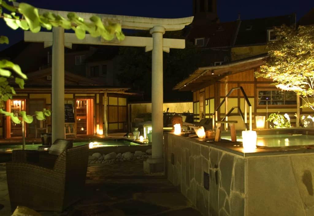 lange Natsu-Nacht, eine lange Sauna-Nacht im Zeichen von Wellness und Entspannung im Neptunbad mitten in Köln